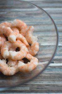 Unfrozen peeled shrimp