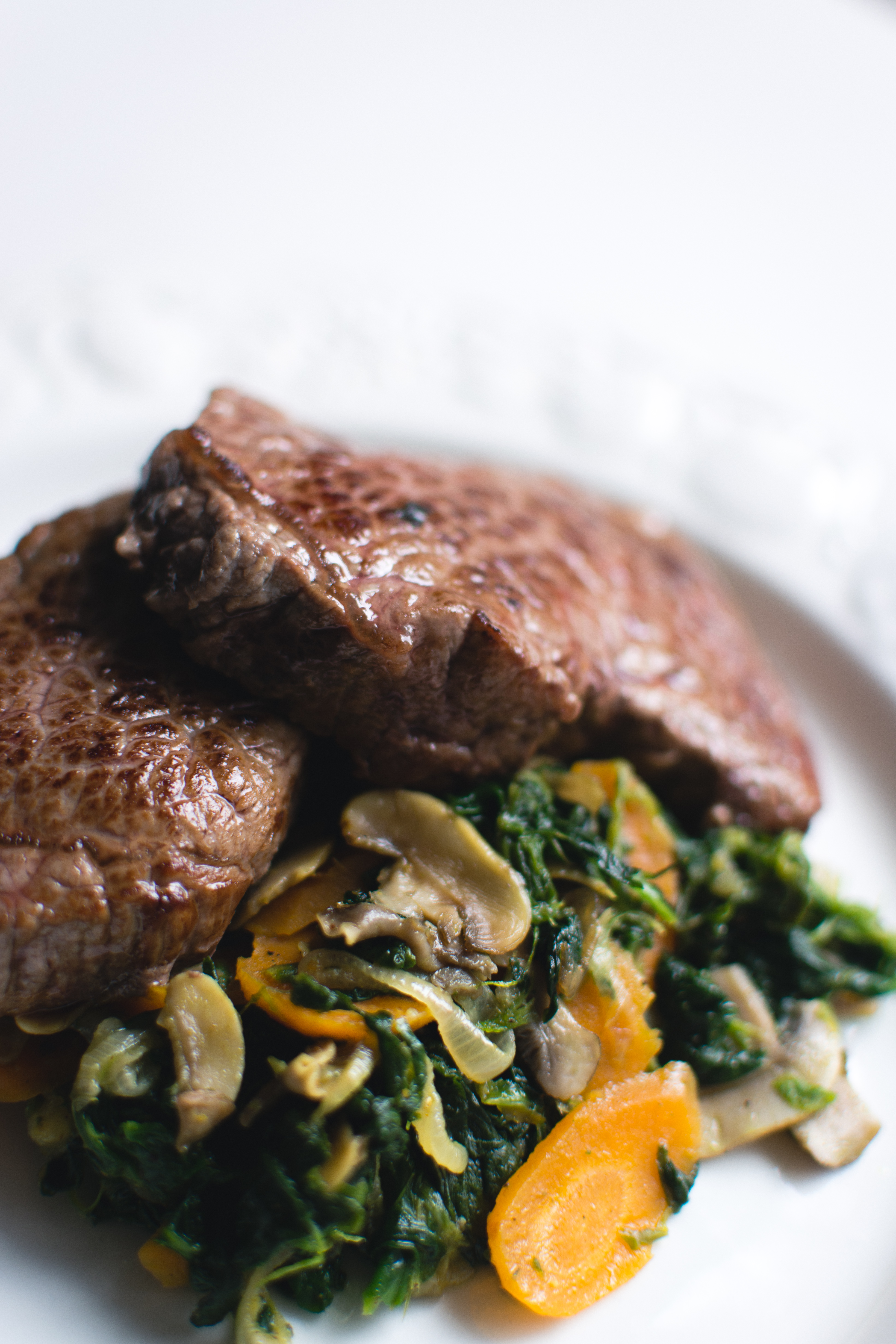 Excellent beef steak with vegetables