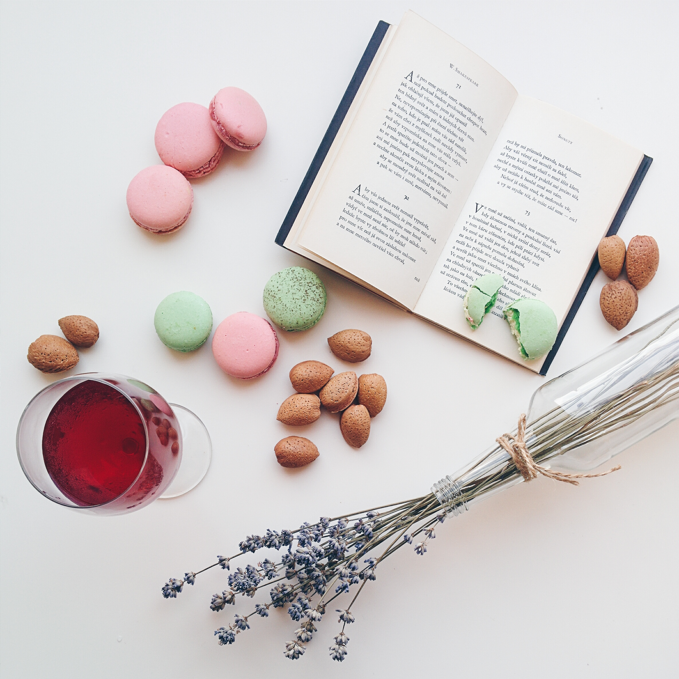 Relax with macarons, drink and a book