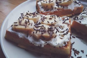 Waffles with banana