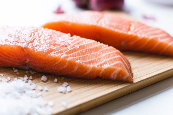 Где и как лосося купить в СПб
