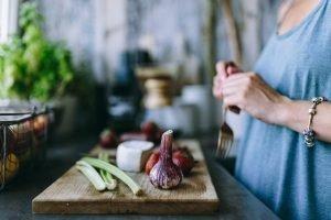 Preparing healthy salad