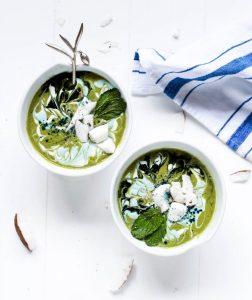 Swirly Green Smoothie Bowls
