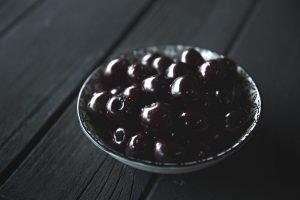 Black cherries in a bowl