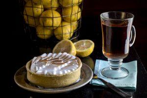 Lemon cake with tea