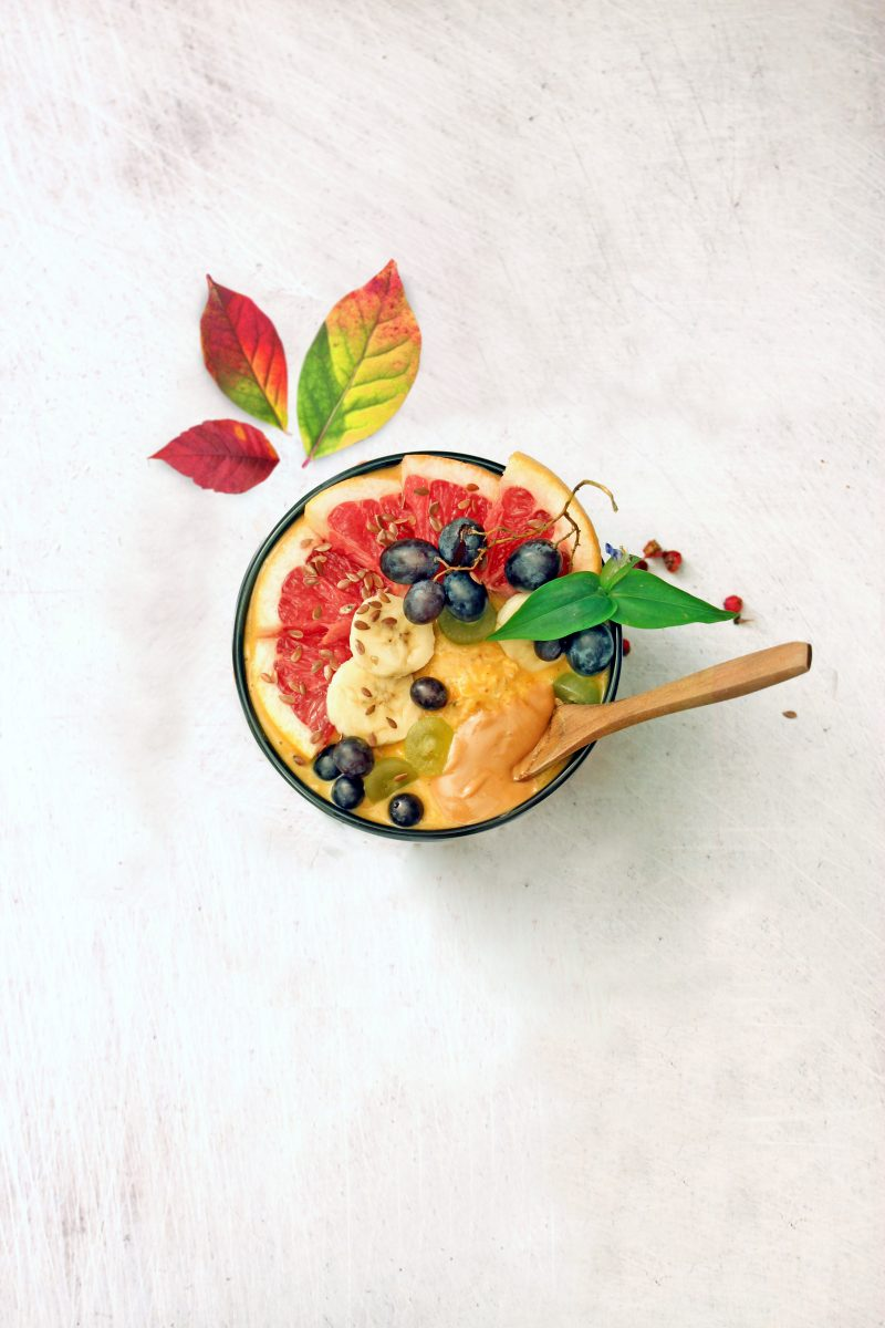 Pumpkin pie oatmeal with fresh fruit