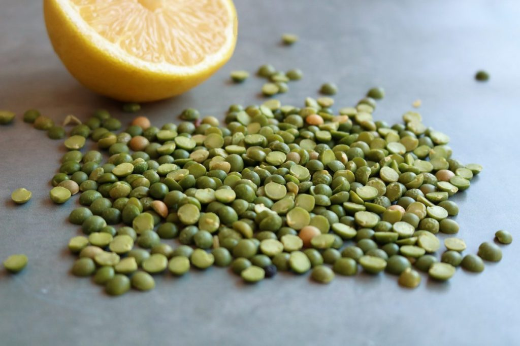 Dried green pea halves