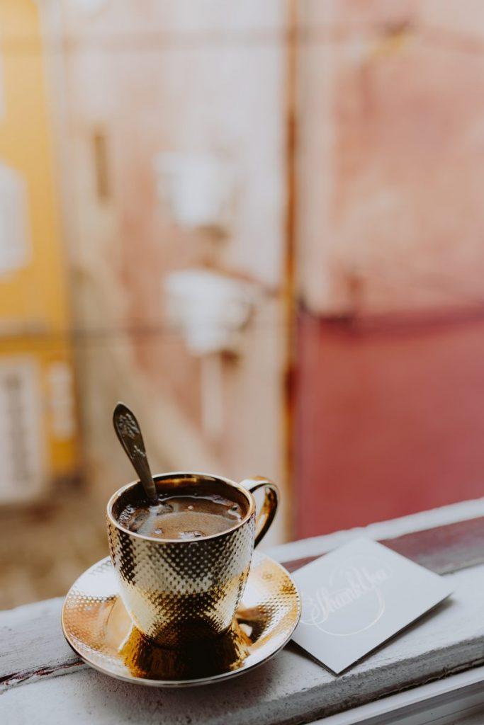 Coffee break in a window