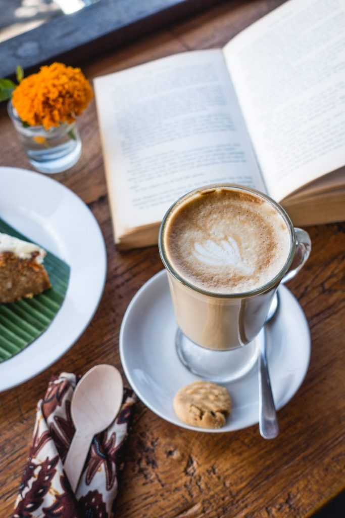 Chilling with coffee, cake and a book