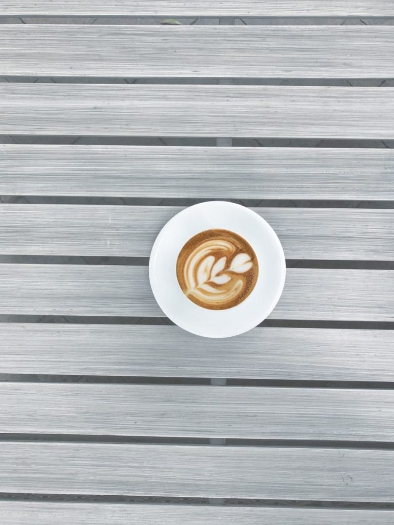 Espresso with flower latté art