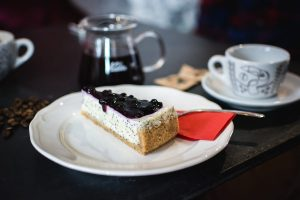 Blueberry cheesecake with poppyseed