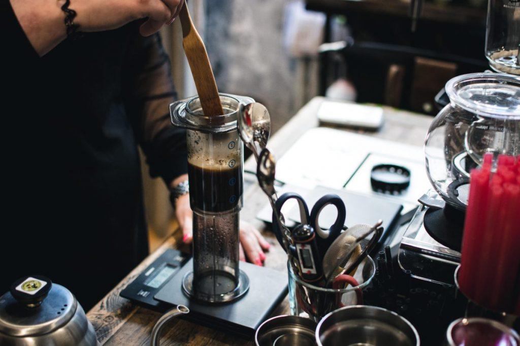 Brewing coffee in Aeropress filter
