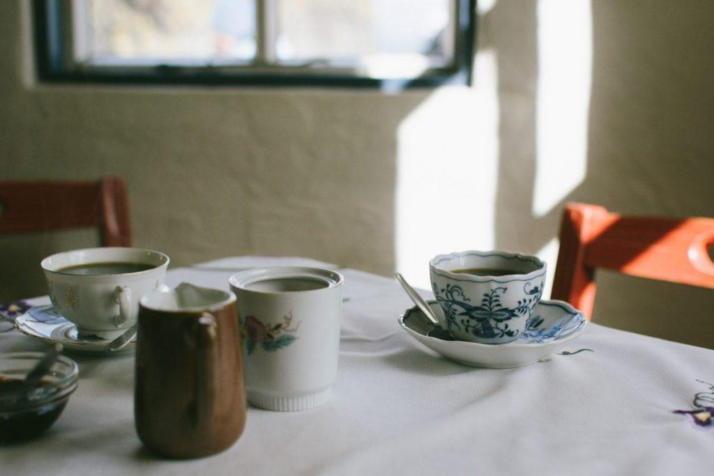 Having tea at grandma´s house