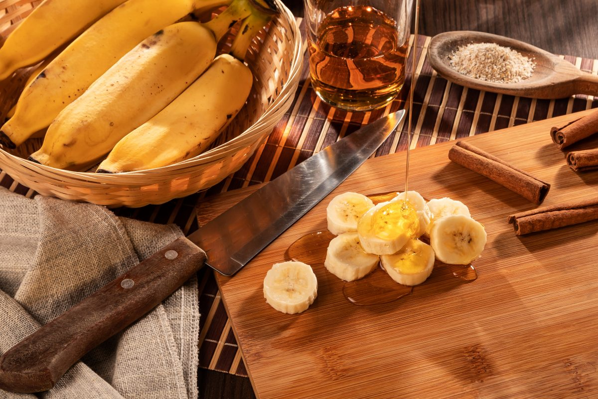 Banana with honey and cinnamon