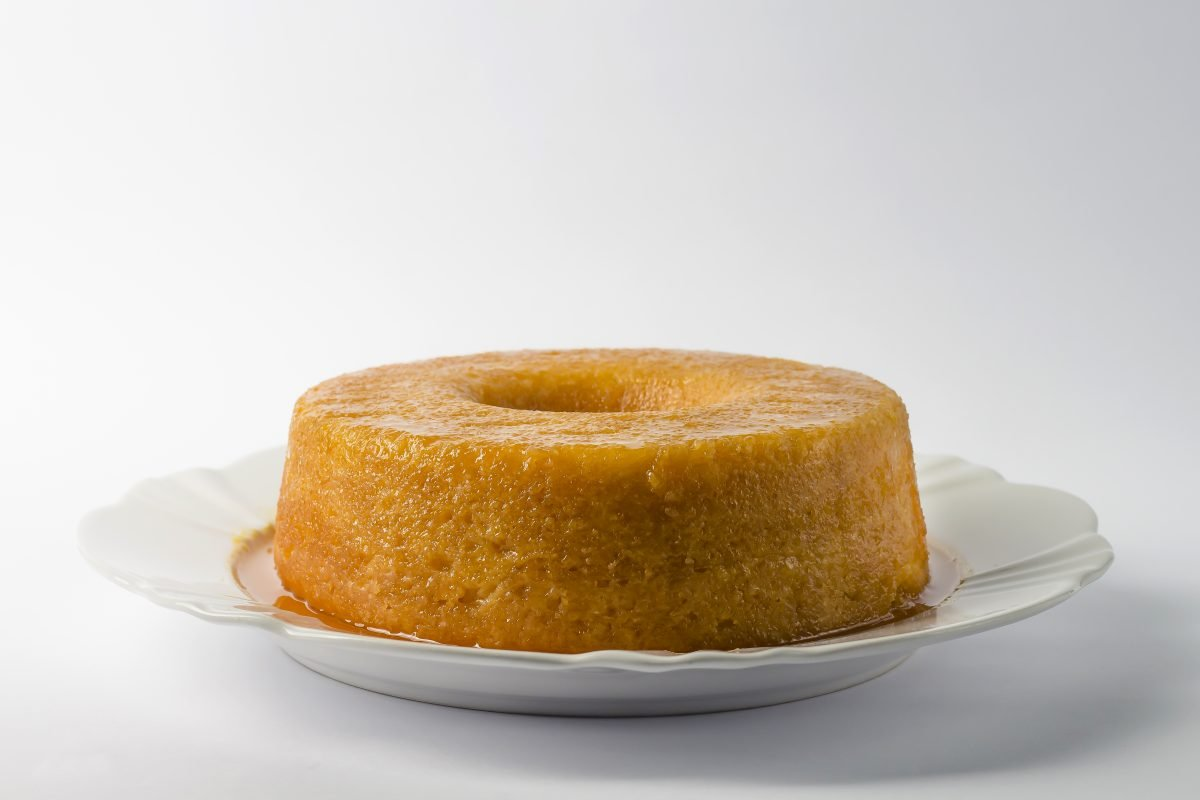 Traditional orange cake