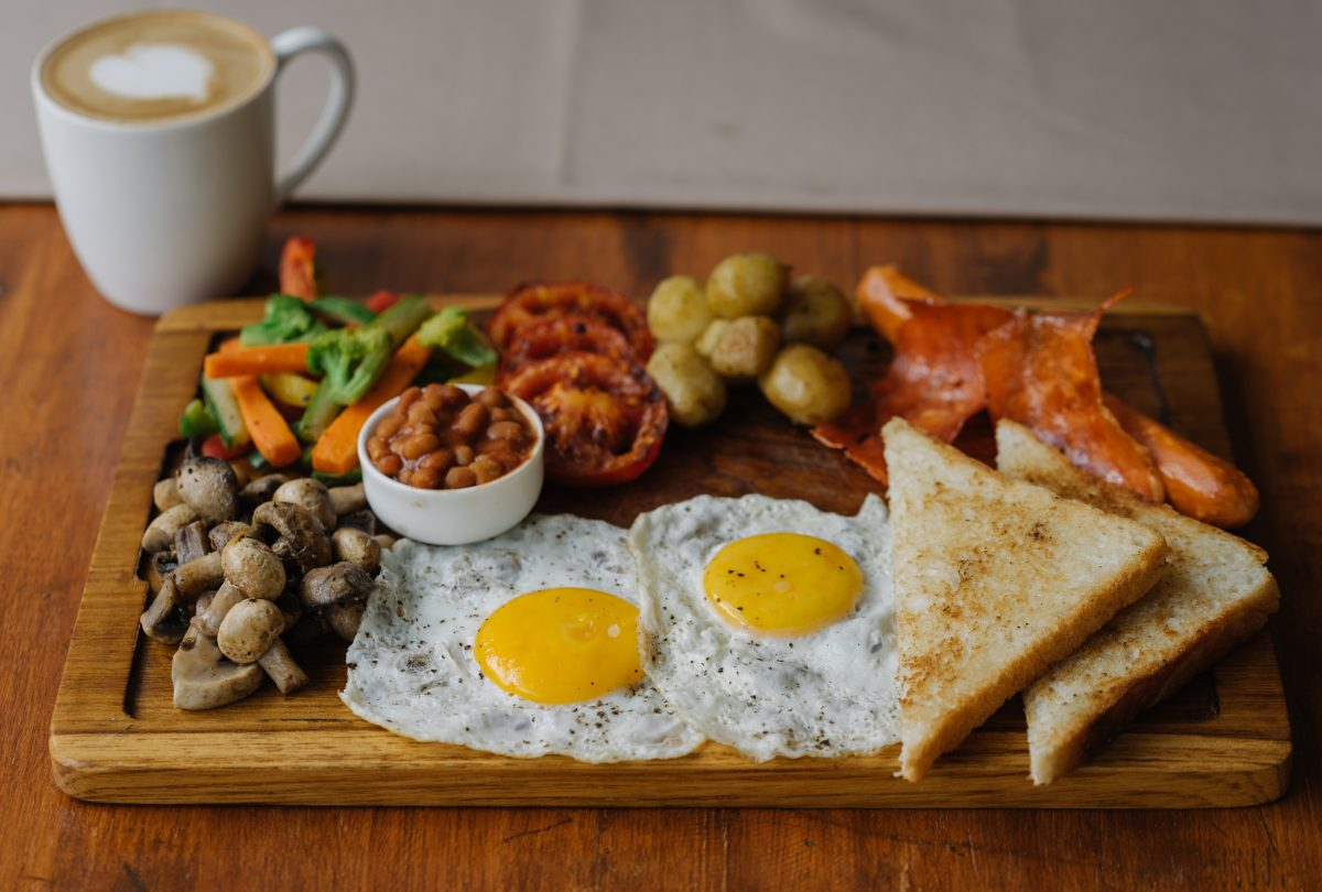Full English breakfast in a café