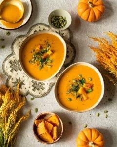 Pumpkin soup with pumpkin seeds on top